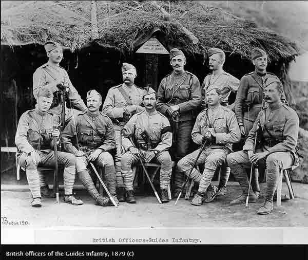 Английские офицеры с наручными часкми