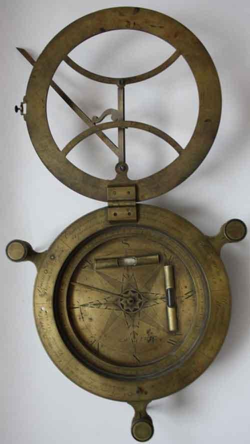 Первые портативные солнечные часы