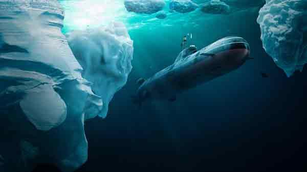 Подводная лодка подо льдом